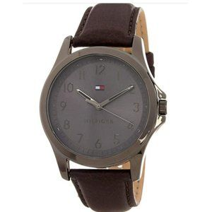 NEW Tommy Hilfiger  mens watch with leather strap